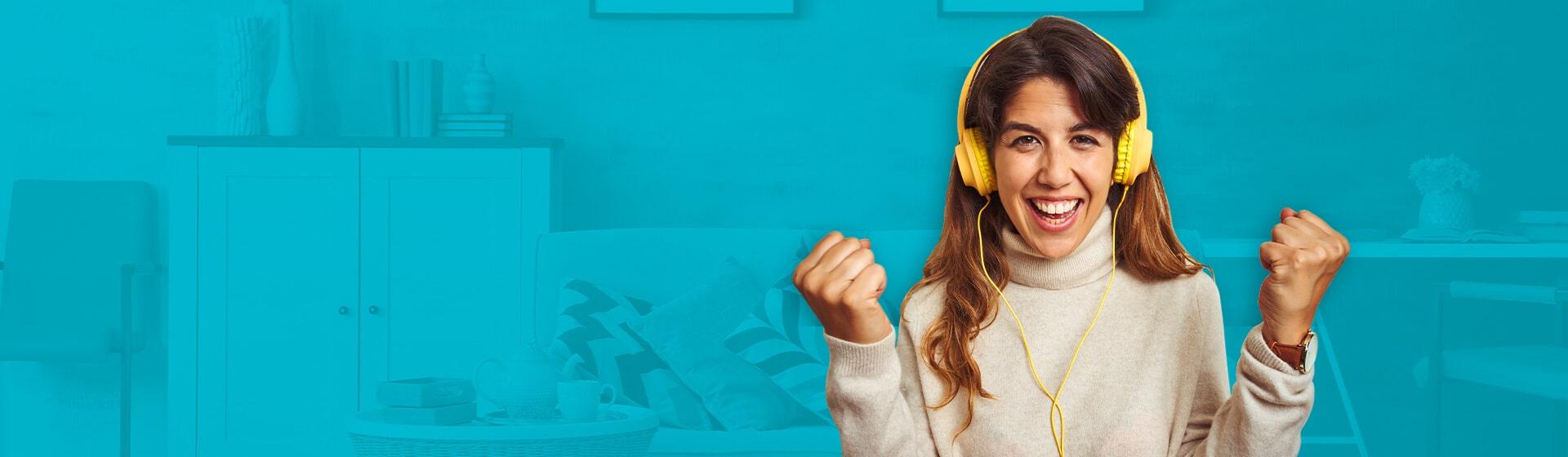 mujer con audifonos