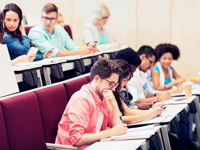 auditorio estudiantes uniandes