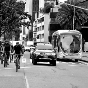 Transporte urbano y cambio climático: retos y soluciones de política pública Uniandes